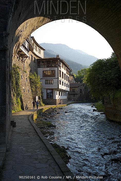 Path by Deva River, Potes, Cantabria, Northern Spain, April 2011  -  Rob Cousins/ npl