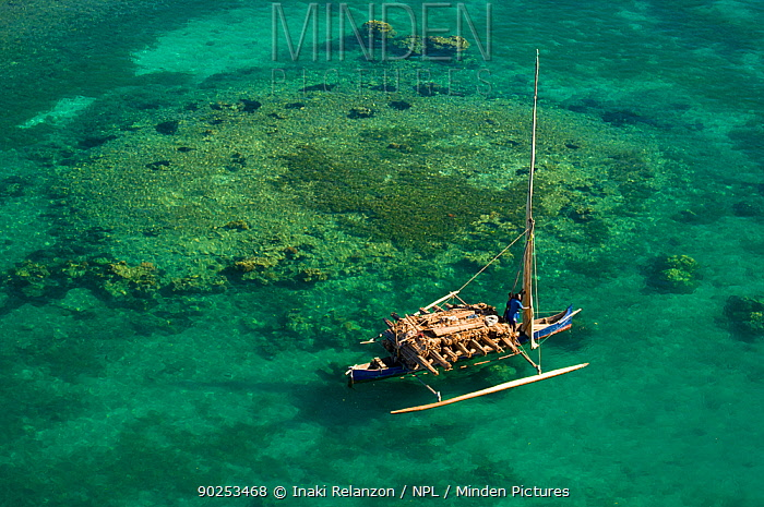 Vezo fisherman boat seen from the air Nosy Be, north Madagascar, Africa, June 2007  -  Inaki Relanzon/ npl