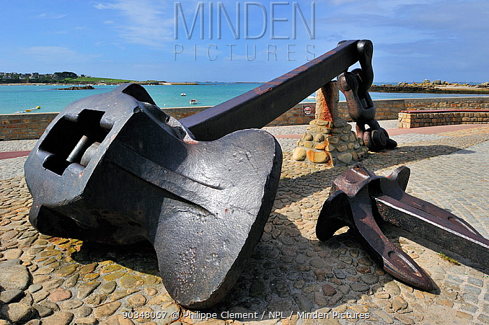 Anchor of the Amoco Cadiz oil tanker, wrecked in March 1978 at Portsall Brittany, France, September 2010  -  Philippe Clement/ npl