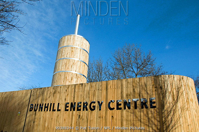 Bunhill Energy Centre, uses heat created when producing electricity to provide heat to local homes, and providing combined heat and power (CHP) The enclosure is built from sustainably sourced green oak cladding, Finsbury, London Borough of Islington, England, UK, January 2013  -  Pat Tuson/ npl