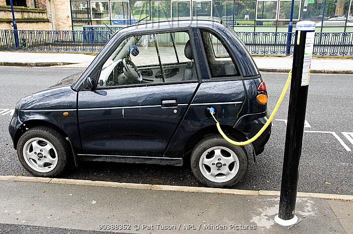 Electric car recharging at an Elektrobay Electric Vehicle Recharging Site in an urban street, London Borough of Islington, England UK  -  Pat Tuson/ npl