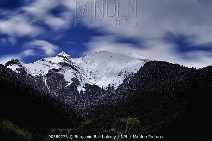 Snowy peak in Vercors National Park France, April 2012  -  Benjamin Barthelemy/ npl