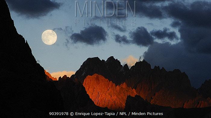 Dusk in the mountains of Zanskar, Kashmir, India September 2011  -  Enrique Lopez Tapia/ npl