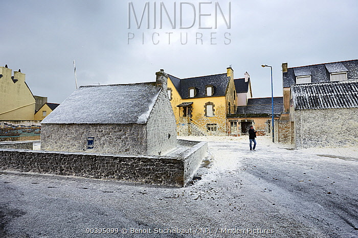 Sea foam covering houses from waves crashing into Saint-Guenole during Storm Petra, Finistere, Brittany, France 5th February 2014 All non-editorial uses must be cleared individually  -  Benoit Stichelbaut/ npl