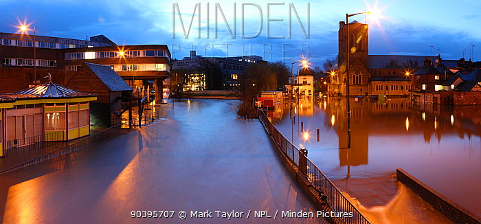 Guildford flooded by River Wey at night, during the 2013 Christmas floods Surrey, England, 25th December 2013 Digitally enhanced image  -  Mark Taylor/ npl