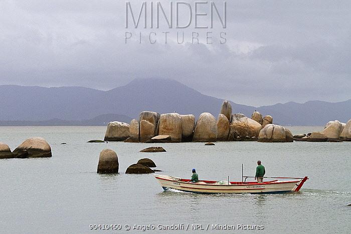 Granite rock formation (Itaguacu) emerging from the sea, Santa Catarina, Brazil, September 2010  -  Angelo Gandolfi/ npl