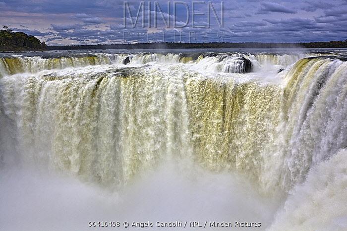 The Salto Union at Garganta del Diablo (Devils Throat), Iguazu falls, Brazil, Argentina, from the Argentine side September 2010  -  Angelo Gandolfi/ npl