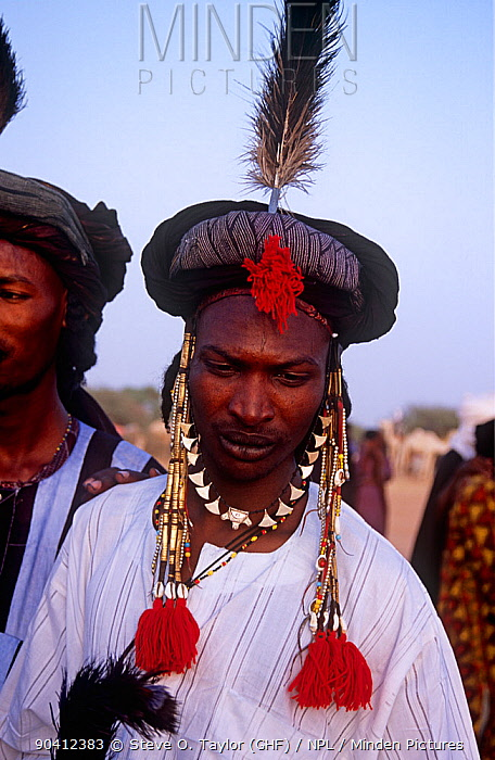 Portrait of Peul, Fula man in traditional clothing at Ngarawal, Niger, 2005  -  Steve O. Taylor/ npl