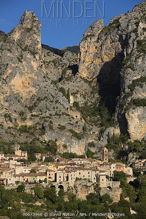 Moustiers-Sainte-Marie village, Alpes-de-Haute-Provence, France, October  -  David Noton/ npl