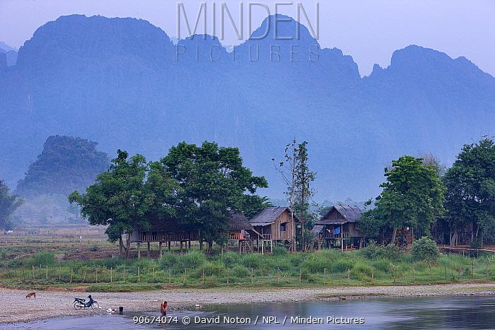 Huts on the shore of the Nam Song River, Vang Vieng, Laos, March 2009  -  David Noton/ npl