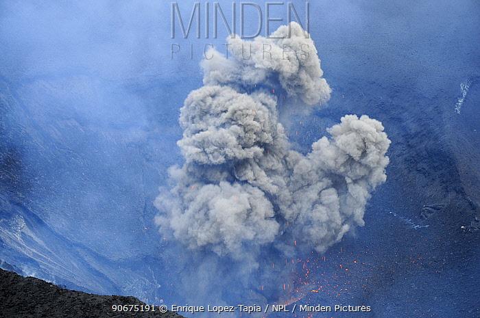 Ash cloud from eruption of Yasur volcano, Tanna Island, Vanuatu, September 2008  -  Enrique Lopez Tapia/ npl