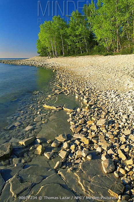 Lake Michigan shoreline, Rock Island State Park, Door County, Wisconsin, USA  -  Thomas Lazar/ npl
