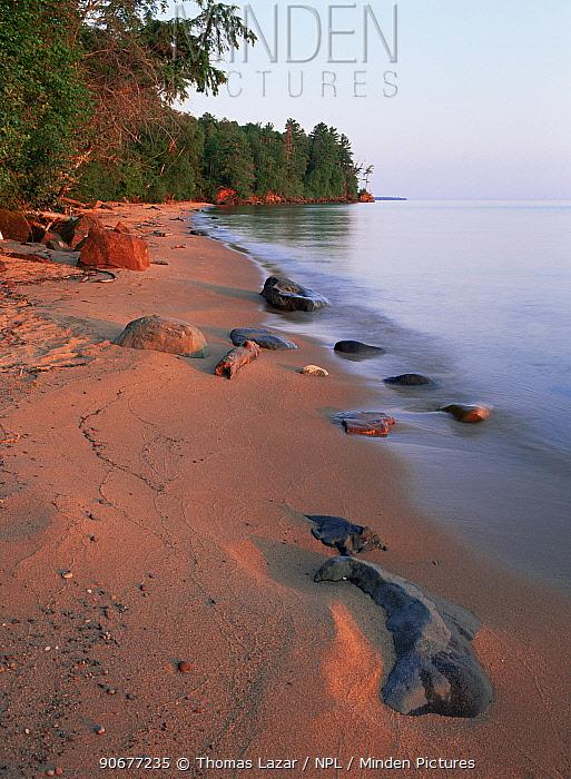 Lake Superior beach shoreline, Apostle Islands, Wisconsin, USA  -  Thomas Lazar/ npl
