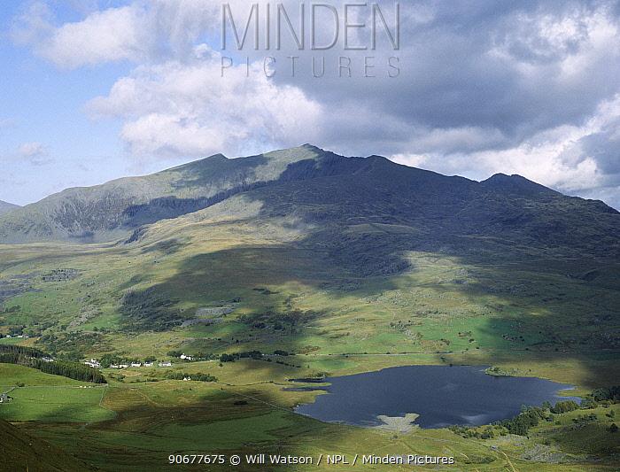 Snowdonia National Park with Snowdon in background, Rhyd-Ddu and Llyn Gader, Gwynedd, Wales  -  Will Watson/ npl
