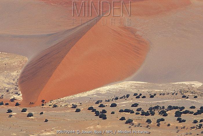 Aerial view of Tsauchab valley, Namib Naukluft NP, Namib desert, Namibia  -  Jouan & Rius/ npl