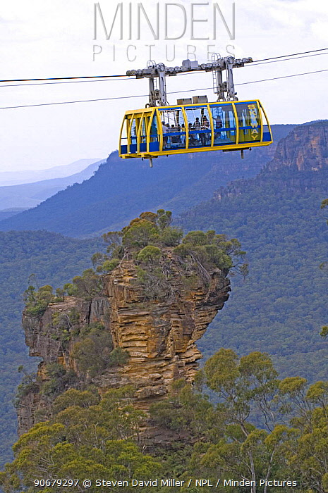 The Katoomba Skyway has a clear floor giving tourists a view straight down into the valleys of the Blue Mountains, New South Wales, Australia  -  Steven David Miller/ npl