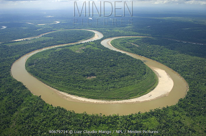 Aerial view of a large meander in the Ichilo River (which forms the Mamor? River) at the border of Cochabamba and Santa Cruz departments, Bolivia  -  Luiz Claudio Marigo/ npl