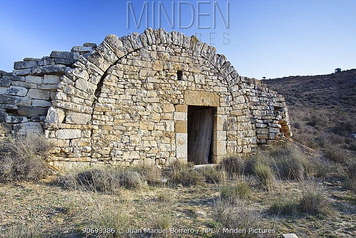 Stone cottage, Tossals d?Aitona, Lleida Province, Spain, March  -  Juan Manuel Borrero/ npl
