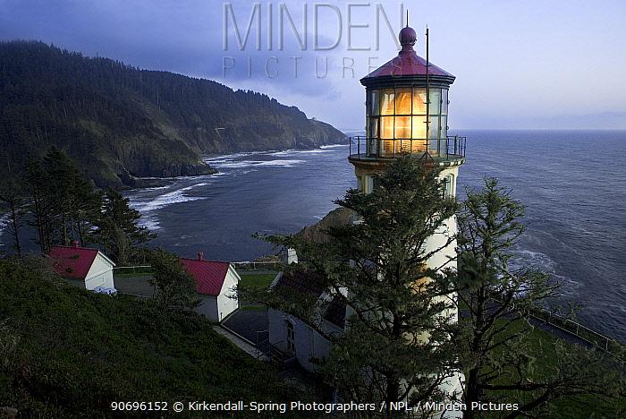 Lighthouse with light on at Heceta Head, Oregon, USA, June 2011  -  Kirkendall-spring/ npl