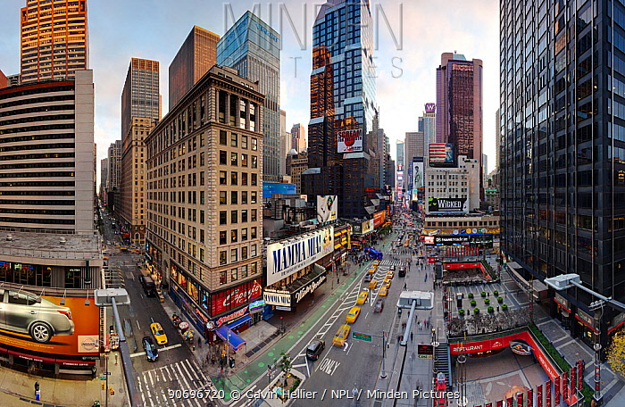 Wide angle view of Broadway looking towards Times Square, Manhattan, New York, USA 2011  -  Gavin Hellier/ npl
