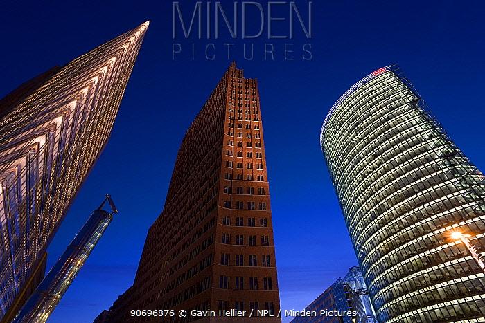 New urban development, modern architecture skyscrapers in Potsdamer Platz, Berlin, Germany, 2007  -  Gavin Hellier/ npl