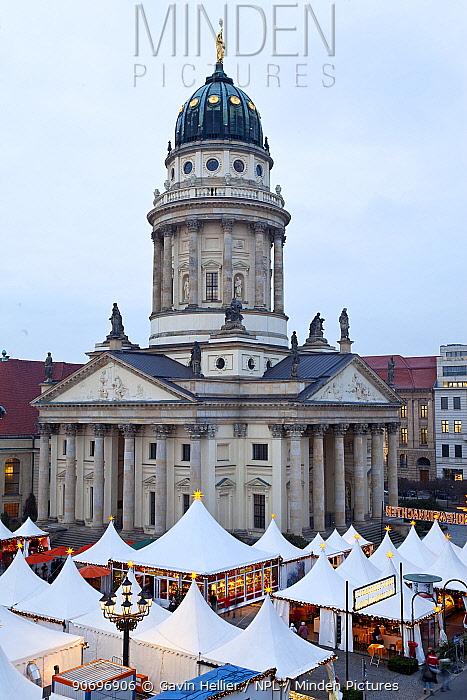 Traditional Christmas Market at Gendarmenmarkt, Berlin, Germany 2009  -  Gavin Hellier/ npl