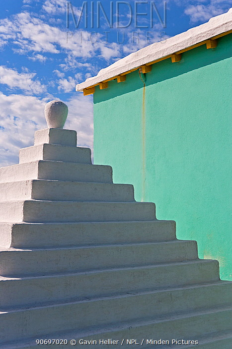Traditional white stone roofs on houses, Bermuda 2009  -  Gavin Hellier/ npl