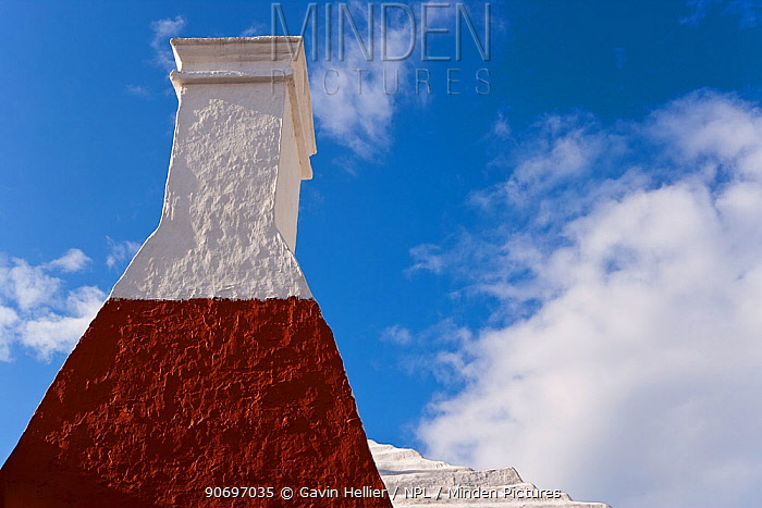 Looking up at traditional chimney in historic town of St George, an UNESCO World Heritage Site, St George's Parish, Bermuda 2007  -  Gavin Hellier/ npl