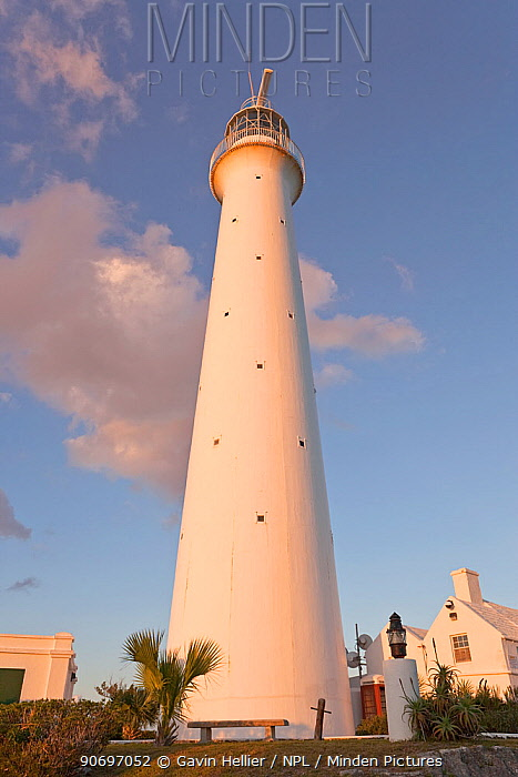 Gibbs Hill lighthouse, standing 117ft above Gibbs Hill erected in 1846 this is the tallest cast-iron lighthouse in the world, Gibbs Hill, Southampton Parish, Bermuda 2007  -  Gavin Hellier/ npl