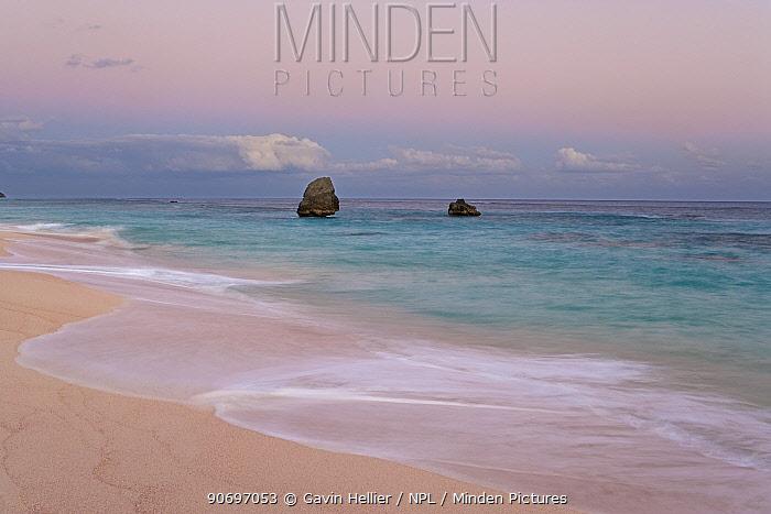 Horseshoe Bay, one of the South Coast beaches, Southampton Parish, Bermuda 2007  -  Gavin Hellier/ npl