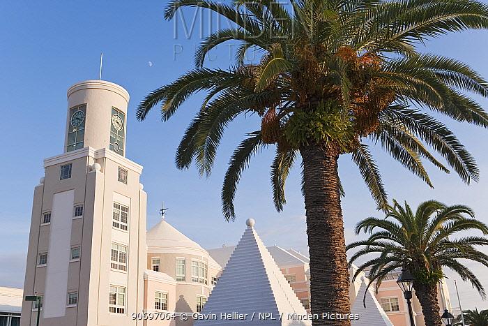 Art Deco style pastel coloured architecture in central Hamilton, capital of Bermuda, 2007  -  Gavin Hellier/ npl