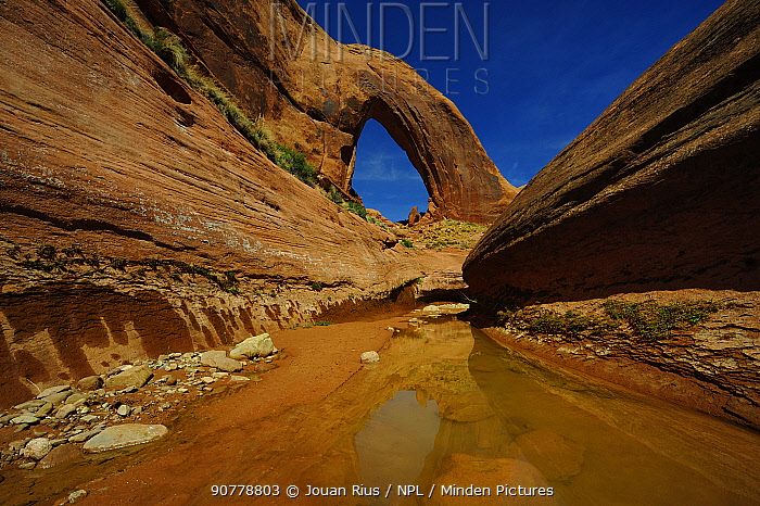 Broken Arch and Willow Gulch, Grand Staircase-Escalante National Monument, Utah, USA. April 2014.