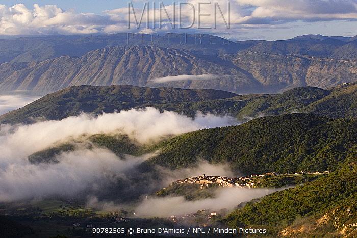 Apennine village of Rosciolo dei Marsi in western Abruzzo. Central Apennines, Italy, October 2012.