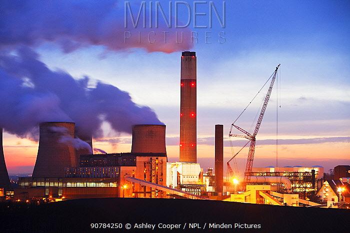 Ratcliffe on Soar coal fired power station near Nottingham, England, UK, December 2010.