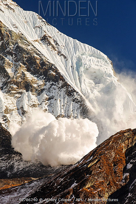 Avalanche on Machapuchare  / Fishtail Peak in the Annapurna Himalaya, Nepal. It was caused by a massive block of glacial ice detaching from the summit cliffs. 29th December 2012.
