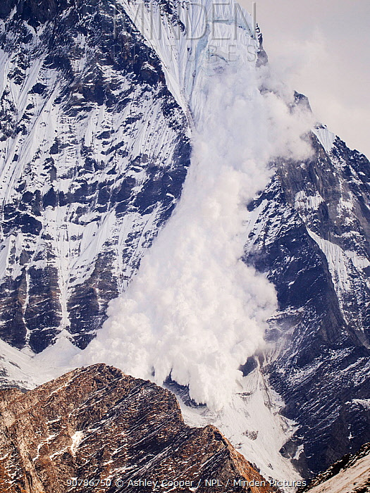 Avalanche on Machapuchare or Fishtail Peak in the Annapurna Himalaya, Nepal. It was caused by a massive block of glacial ice detaching from the summit cliffs,  29th December 2012.