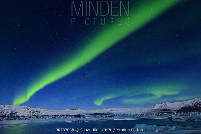 Northern lights (Aurora Borealis) above Jokulsarlon glacier lagoon, Southern Iceland, February 2015