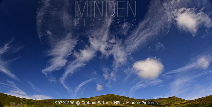 Cirrus Clouds over the Berwyn Mountains, Llanrhaeadr-ym-Mochnant, Powys, Wales, UK. August 2017.