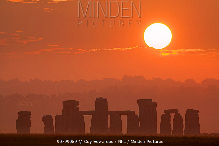 Stonehenge at sunrise, Salisbury Plain, Wiltshire, England, UK, June 2006.
