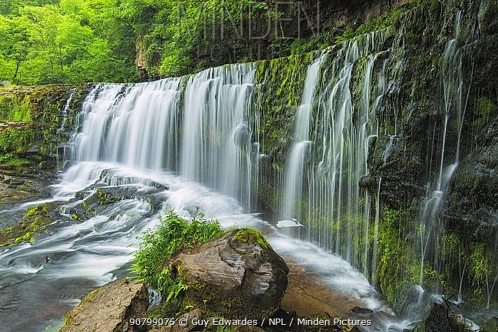 Sgwd Isaf Clun Gwyn waterfall, Brecon beacons, Powys, Wales, UK. June 2014