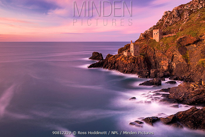 The Crowns Engine House, Botallack, sunset and high tide, Poldark Country, West Cornwall, UK. November 2017.