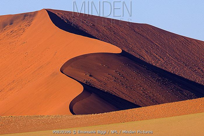 Undulating red dunes, Sossusvlei, Namibia