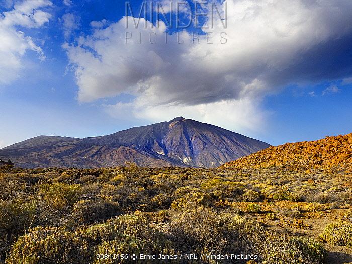 Mount Teide / El Teide, Pico del Teide, volcano on Tenerife, Canary Islands.