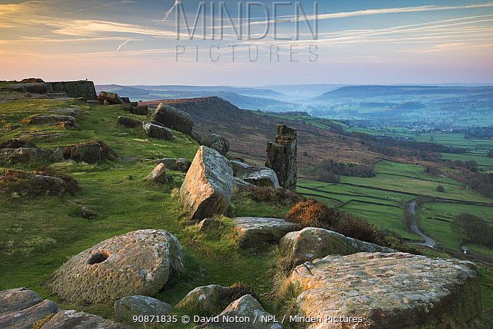 Curbar Edge, Peak District National Park, Derbyshire, England, UK. April 2018.