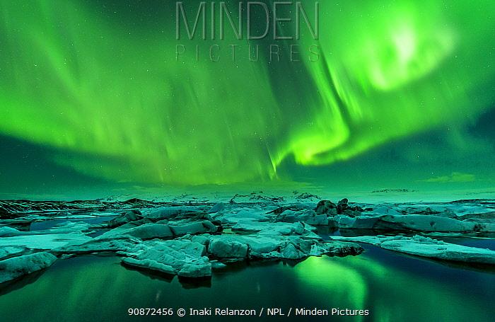 Aurora borealis, Jokulsarlon glacier lake, Iceland