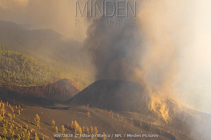 Ash cloud, Cumbre Vieja Volcano. La Palma, Canary Islands. Spain. Europe. September 2021