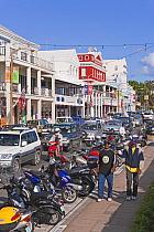 View along the main road, Front Street, in Hamilton, Bermuda 2007  -  Gavin Hellier/ npl